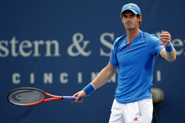 Murray dropped in Cincinnati, Federer and Djokovic continues