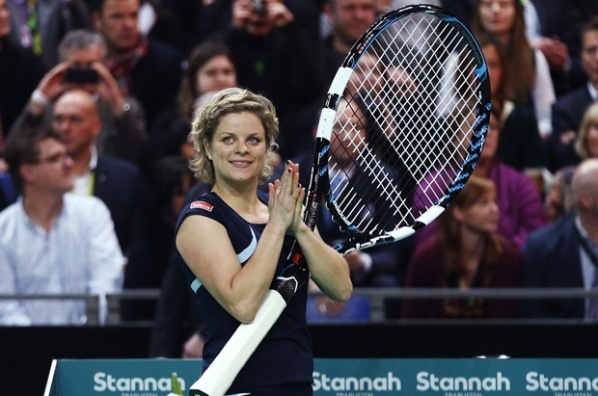 Clijsters beat Venus Williams in her farewell match
