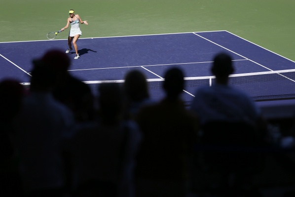 Sharapova moves on in Indian Wells