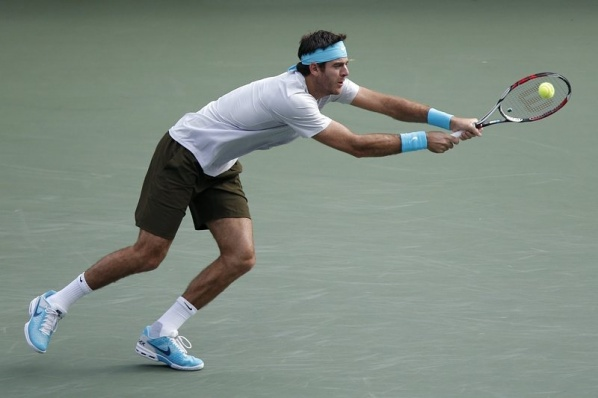 Del Potro beat difficultly Kohlschreiber in Shanghai
